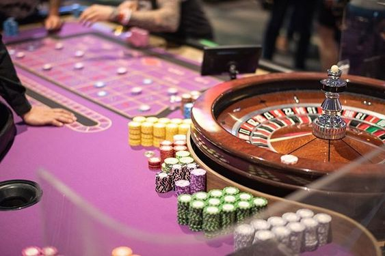 What are the advantages of big online baccarat websites?